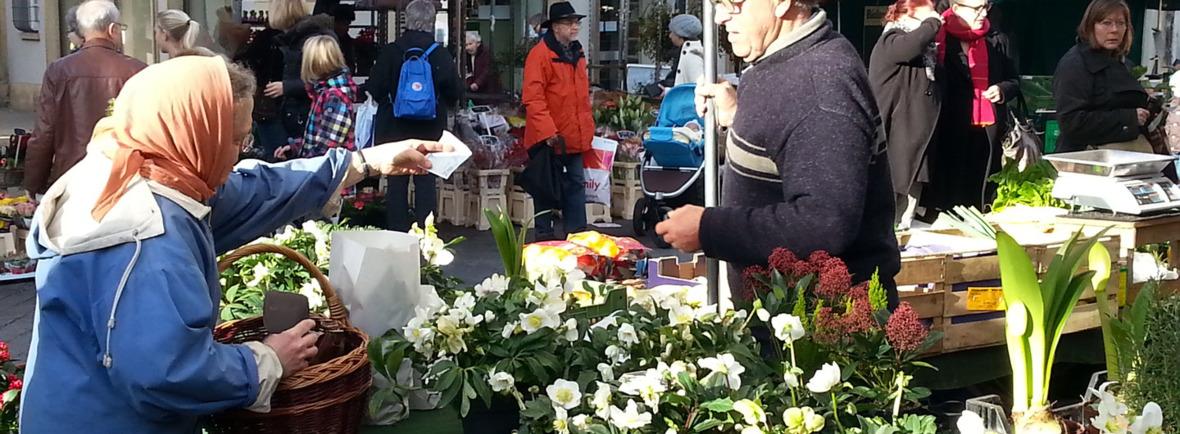 Einkauf auf dem Schorndorfer Wochenmarkt